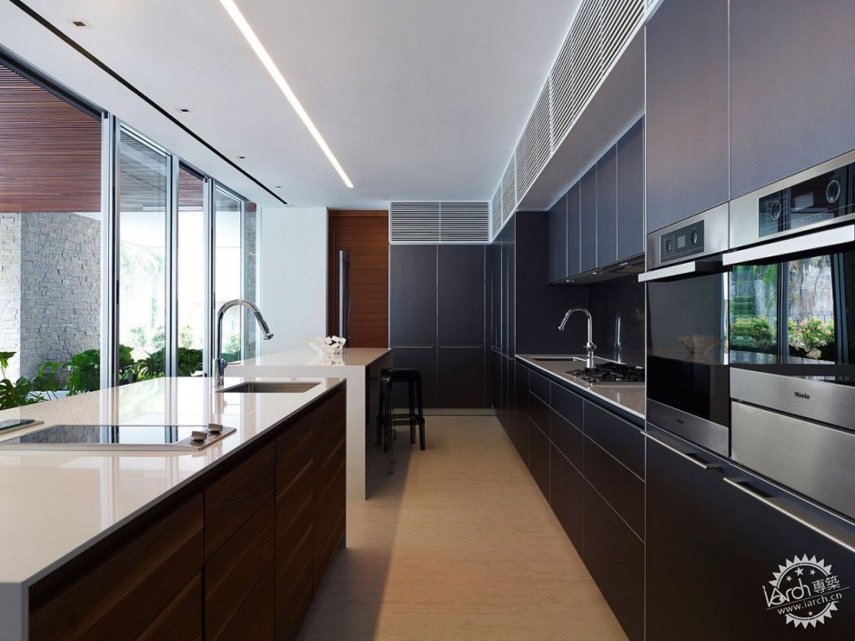 ONG&ONG have designed the JKC1 house in Singapore.第10张图片