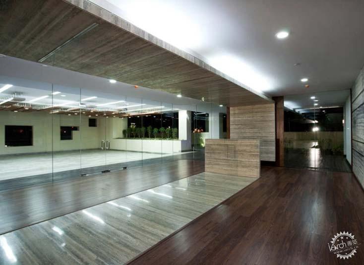 精装修办公空间.设计融合了商务中心的基本要求与如今普遍关
