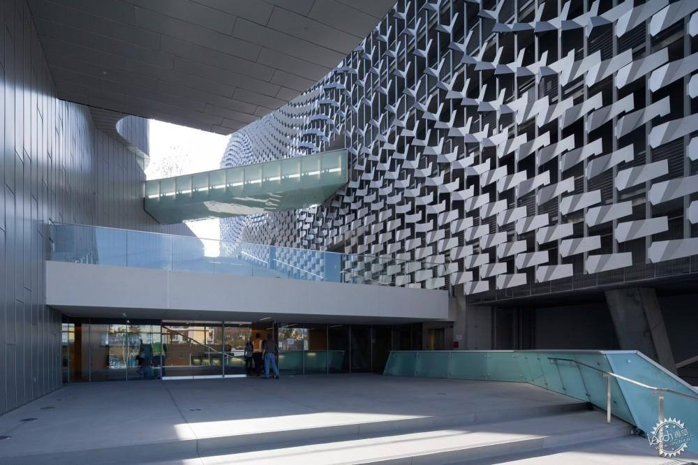 艾默生学院洛杉矶中心/ Morphosis Architects第2张图片