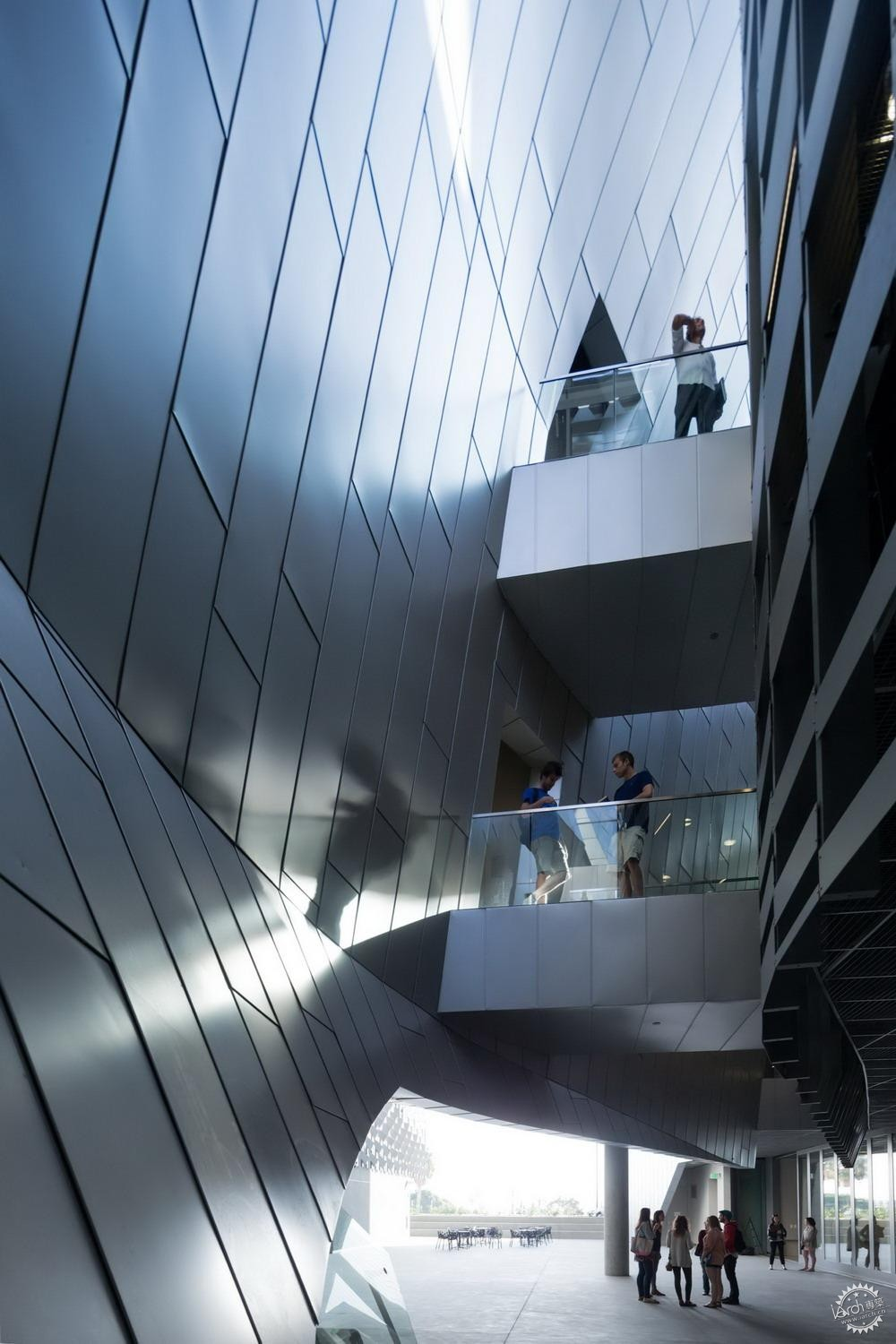 艾默生学院洛杉矶中心/ Morphosis Architects第5张图片