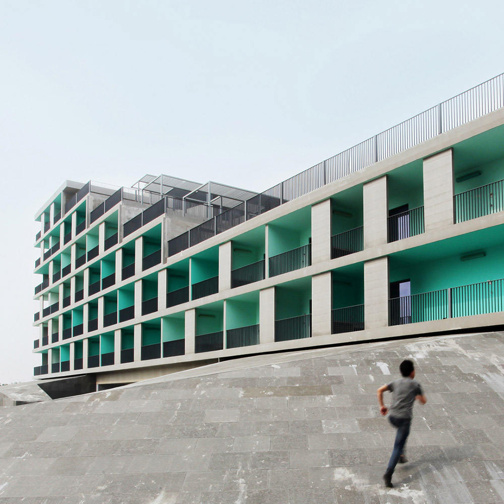 Stepped Courtyards / OPEN第5张图片