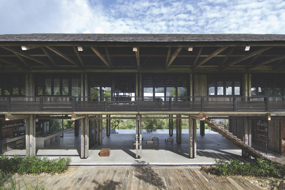 Reclaimed Telegraph Poles House / WHBC Architects第2张图片
