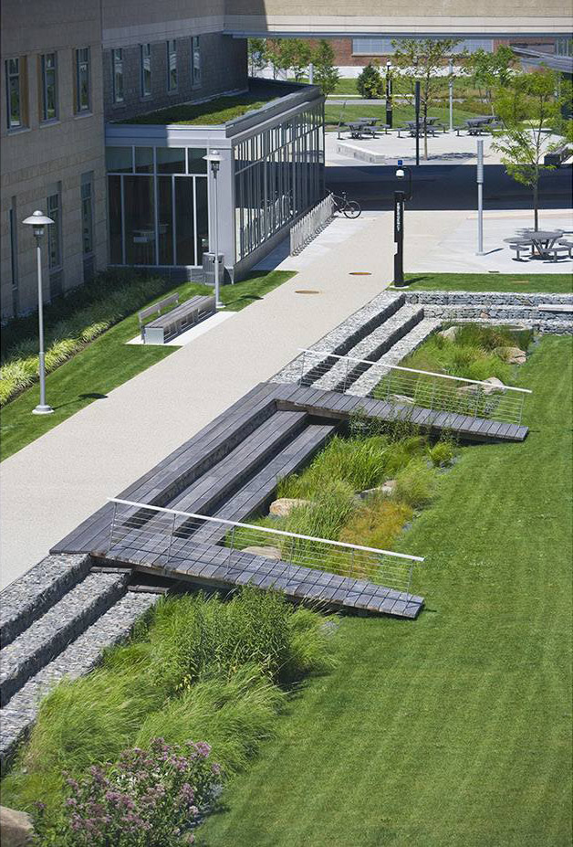 2014 ASLA Salem State University – Marsh Hall第2张图片