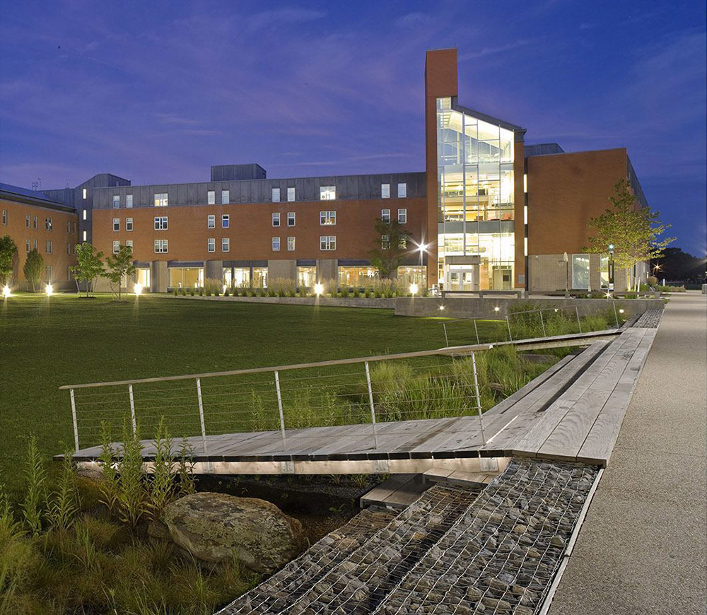 2014 ASLA Salem State University – Marsh Hall第9张图片