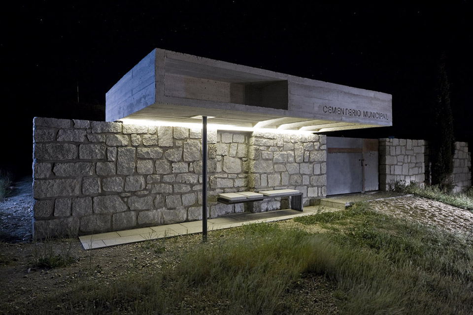 Access And Columbarium In Robregordo′s Cemetery / MUKA Arquitectura第11张图片