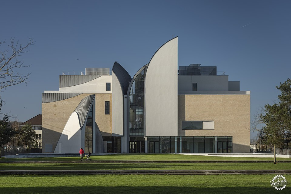 Music and Dance Center, Soissons / Henri Gaudin architecte第3张图片