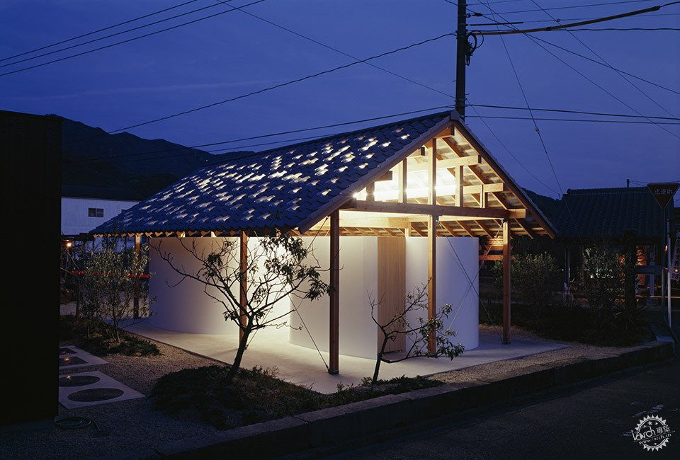 Hut with the Arc Wall / Tato Architects第4张图片