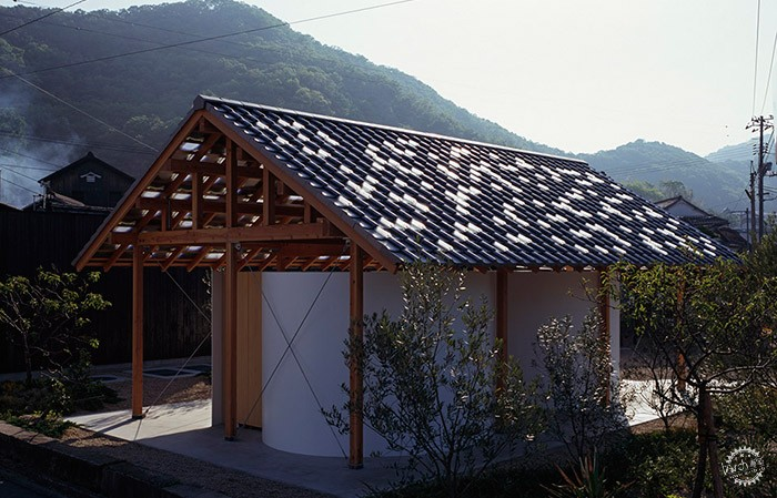 Hut with the Arc Wall / Tato Architects第1张图片