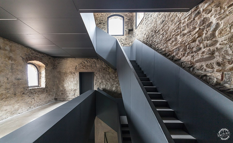 Torre Del Borgo restoration Project and Reuse,villa D'adda / Gianluca Gelmini第12张图片