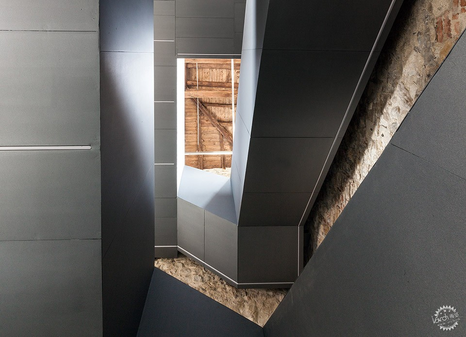 Torre Del Borgo restoration Project and Reuse,villa D'adda / Gianluca Gelmini第13张图片