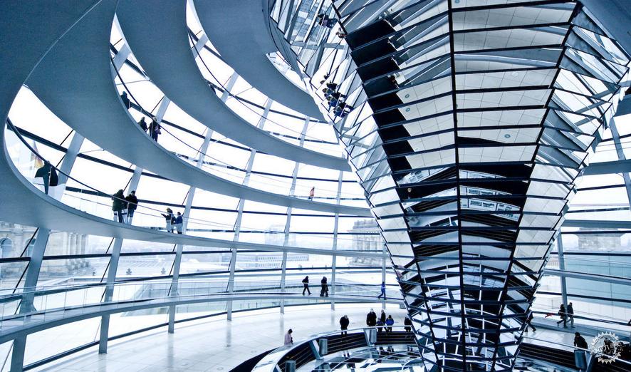 德国国会大厦的穹形圆顶