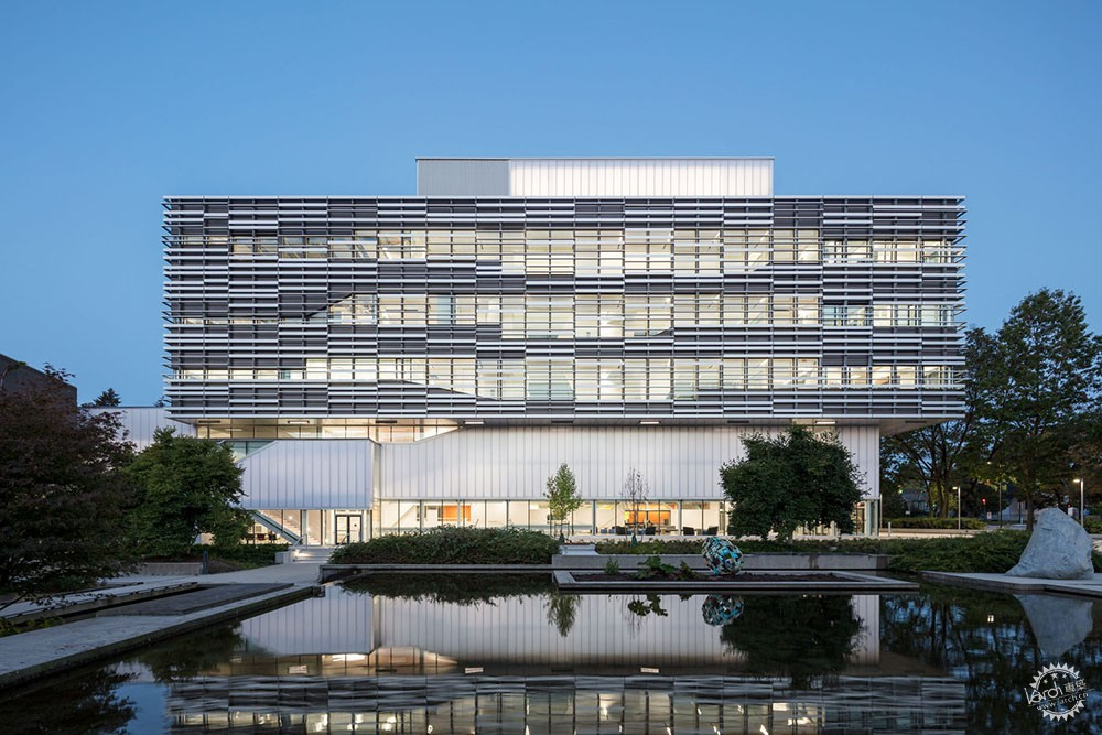 建筑艺术和技术的相辅相成,LEED绿色建筑金奖科学技术大楼给你不一样的建筑体验-BillyArch