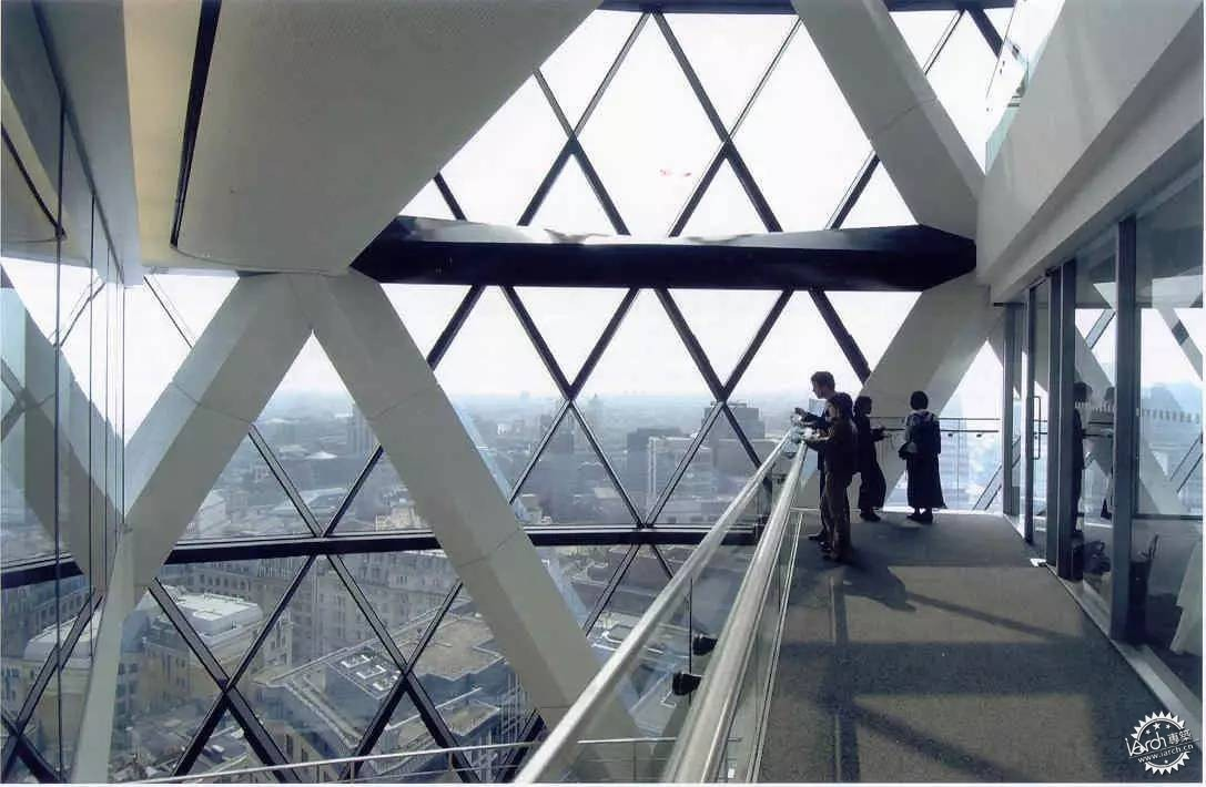 结构的建筑由诺曼