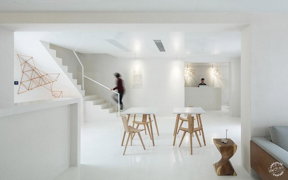 住在白色格栅里的建筑,有种浓郁的文艺气息|深圳艺栈建筑改造第15张图片