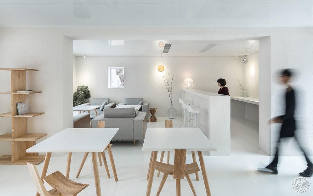 住在白色格栅里的建筑,有种浓郁的文艺气息|深圳艺栈建筑改造第11张图片