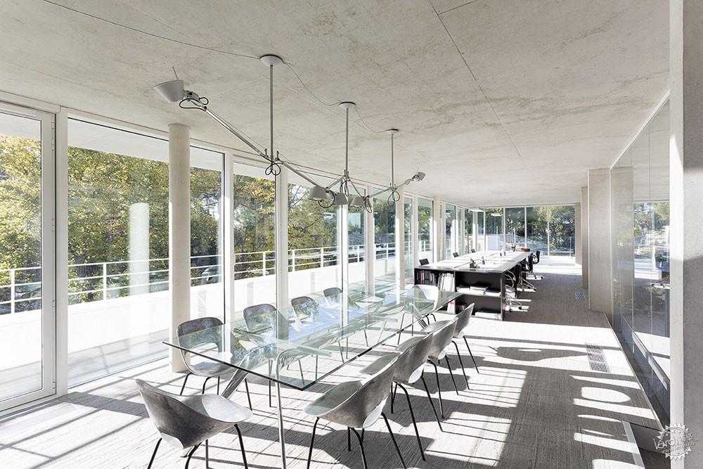 简洁高效的空间,才是建筑的本质第5张图片