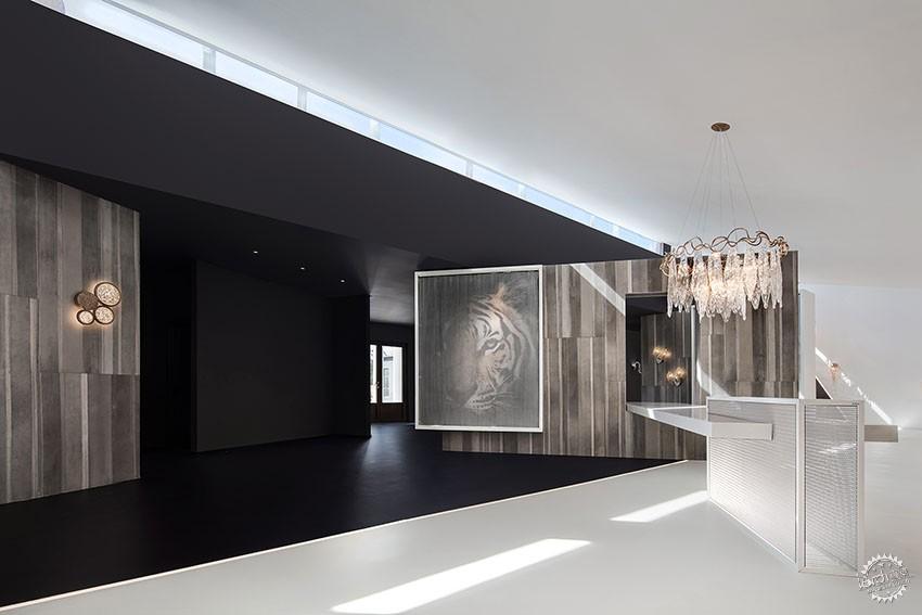 遇见一束光的设计|葡萄牙SERIP灯具展厅第4张图片