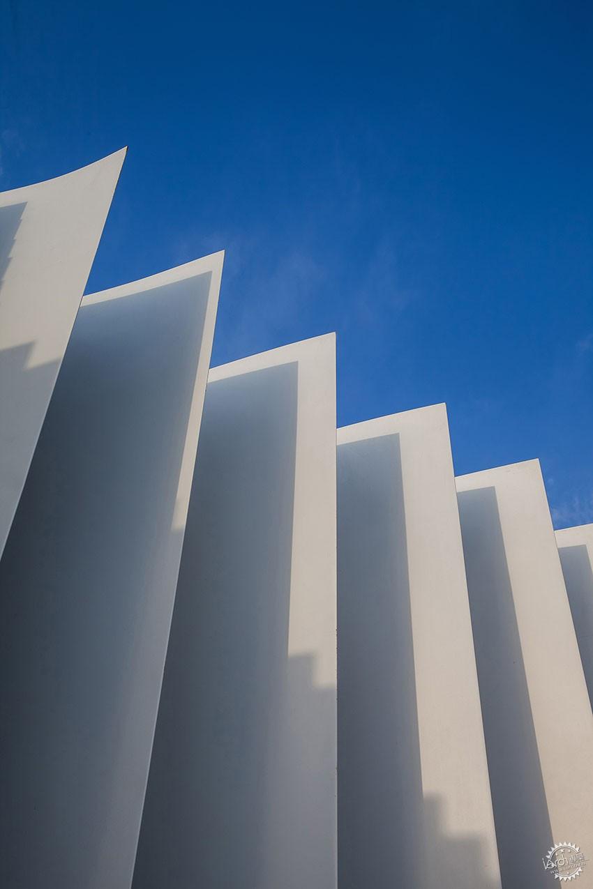 遇见一束光的设计|葡萄牙SERIP灯具展厅第12张图片