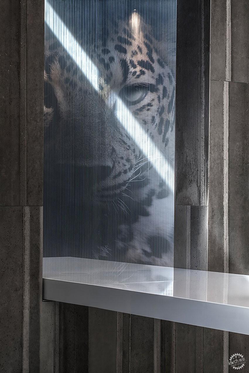 遇见一束光的设计|葡萄牙SERIP灯具展厅第15张图片