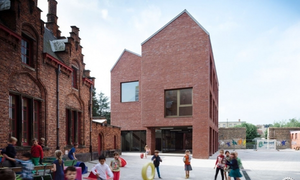 Primary School 'De Springplank', Bruges / Tom Thys architecten i