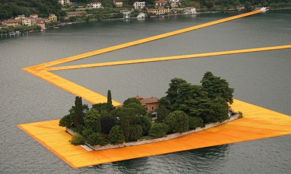 水上漫步,意大利三公里长的黄金色大道The Floating Piers