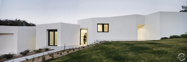 House in Llavaneres / MIRAG
