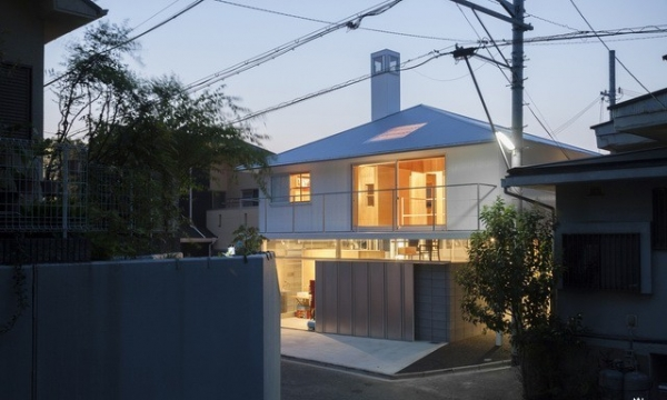 兵库县川西市住宅 HOUSE IN KAWANISHI TY TATO ARCHITECTSBLAIBACH BY PETER HAIME...