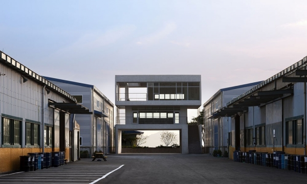 Gate 工厂/ Hyunjoon Yoo Architects