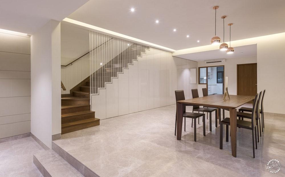 围屏住宅/ ADX Architects第4张图片