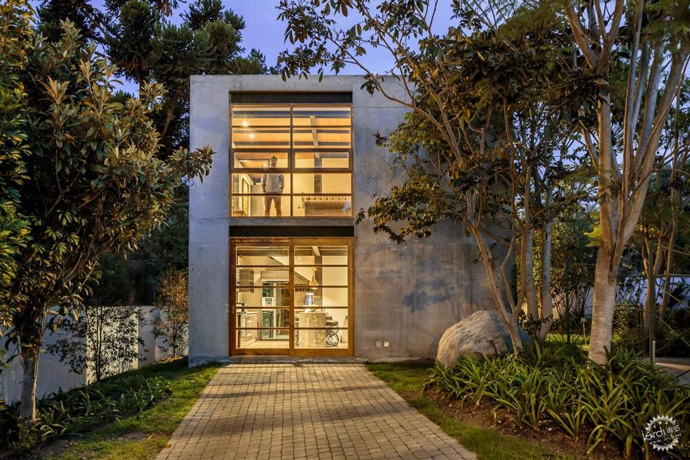 方块住宅/ Diez+Muller Arquitectos第1张图片