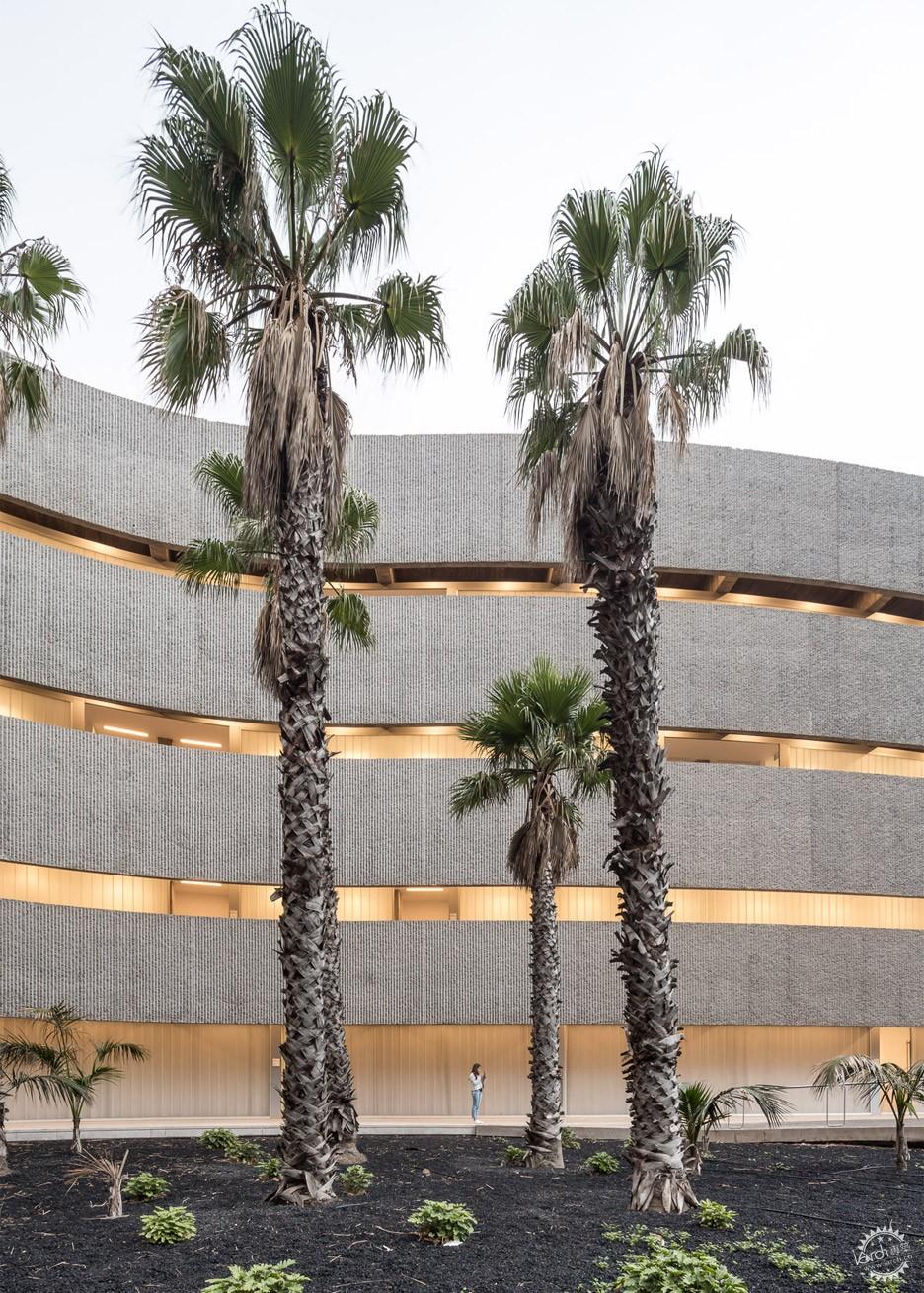 Tenerife波浪形的艺术学校/ GPY Arquitectos第7张图片