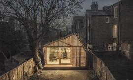 作家的避风港 WRITER'S SHED BY SURMAN WESTON