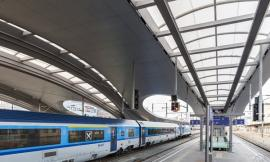 New platform canopy at the Main Train Station in Graz / Zechner...