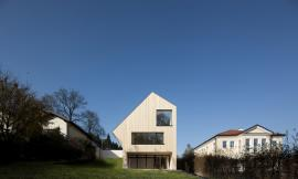 Sunlighthouse / Juri Troy