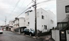 横滨Tama-plaza住宅 House in Tama-plaza by Takushu ARAI Architects
