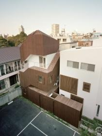 二重螺旋之家(Double Helix House) by O+H